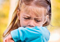 Ребенок сильно кашляет после бега: норма или заболевание