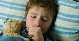 Чем лечить кашель у ребенка: препараты и народные средства