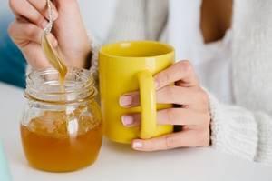 Почему болит горло и как унять кашель при беременности