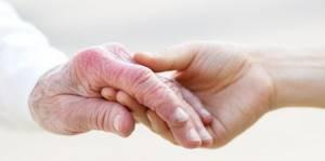 Старческие бородавки: консервативные и народные методы лечения