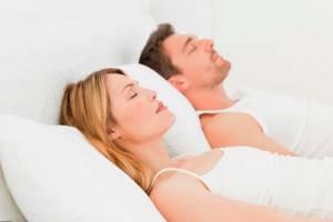 Как избавиться от храпа во сне мужчине: медикаменты или операция