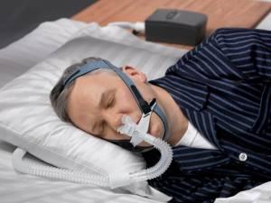 Почему человек храпит и как лечить нарушение дыхания во сне