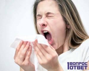 При кашле неприятный запах: о чем это говорит и как устранить