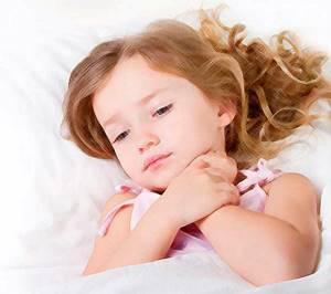 Насморк у ребенка 2 года: каковы причины и подходы в лечении