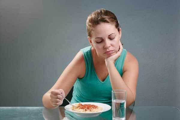 Кашель после еды: причина явления и способы устранения симптома