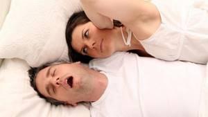 Что делать, если муж храпит: советы и рекомендации по лечению
