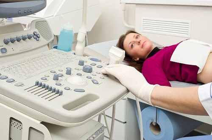 Какой врач лечит мастопатию: причины обращения к разным докторам