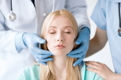 Консультация оториноларинголога при заболеваниях носоглотки