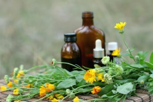 Как вылечить кашель: медикаментозные препараты и народные методы