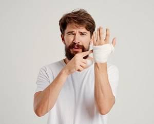 Что будет, если оторвать бородавку и как ее правильно лечить