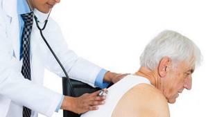 Кашель до рвоты у взрослого: как помочь пациенту без препаратов