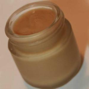Применение мази прополиса при кашле: свойства и полезные рецепты