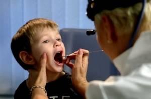 Горловой кашель: почему возникает и как нужно лечить симптом